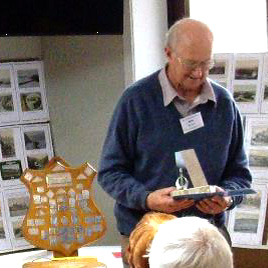 Bob Ellis of Tauranga with the Novice Trophy.
